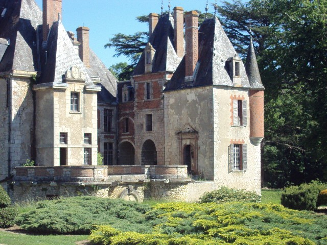 chateau a vendre gien